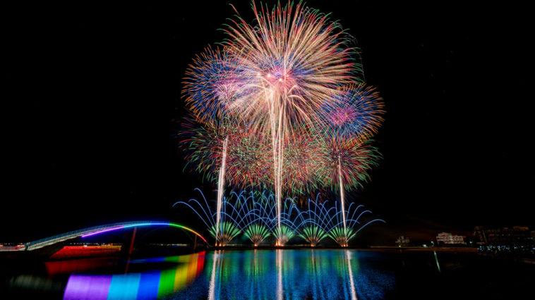 Fireworks ©Nicky Xu. All rights reserved.